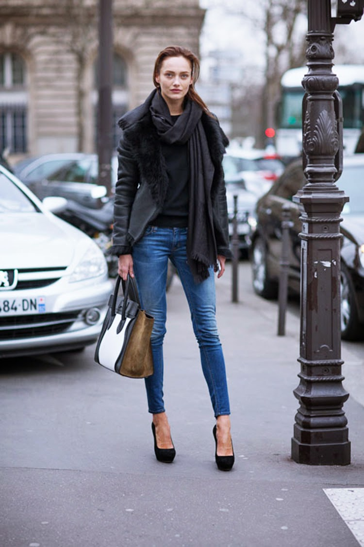 Model Off Duty Street Style - Karmen Pedaru is Casual in Denim