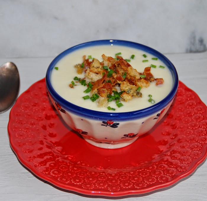 Lemon & Vanilla: Parsnip soup with Stilton and bacon crumb / Sopa de ...