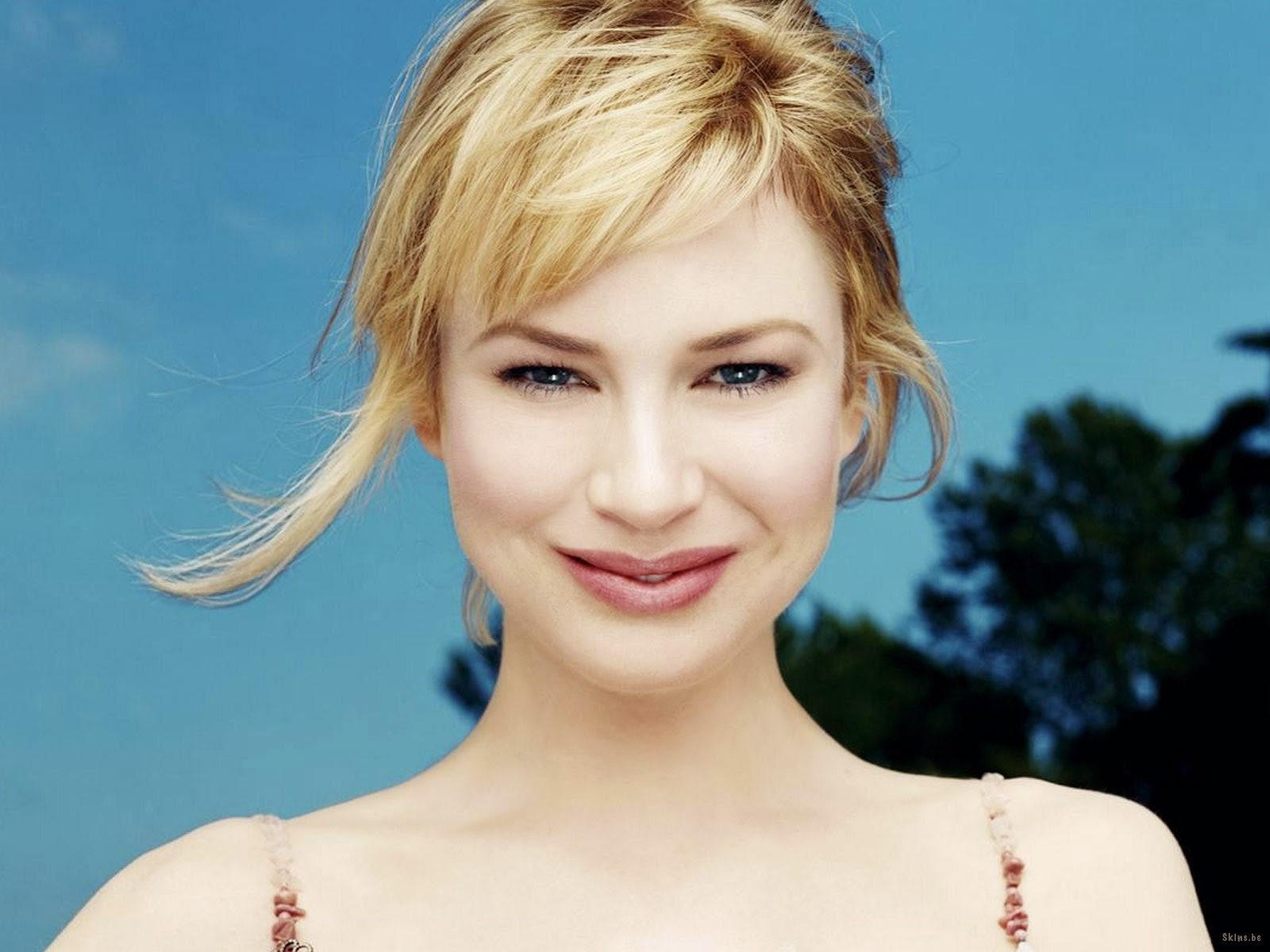 Renee Zellweger Fake Nude Minimalist a view from the beach: rule 5 saturday - the woman with two faces