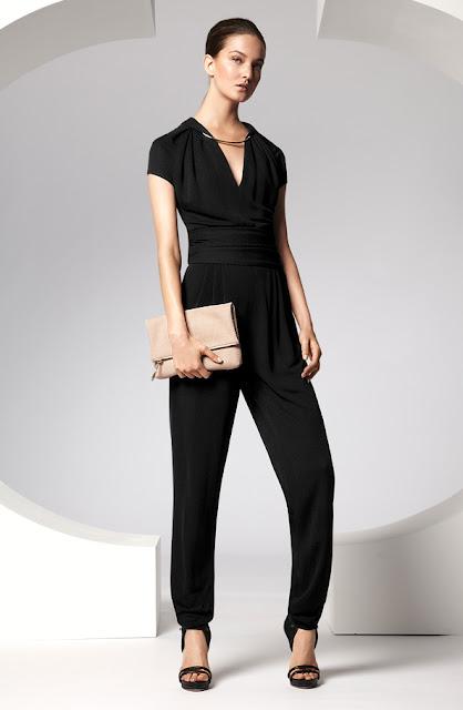 escada siyah bluz, siyah kumaş pantolon bol kesim