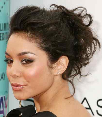 vanessa hudgens haircut 2011