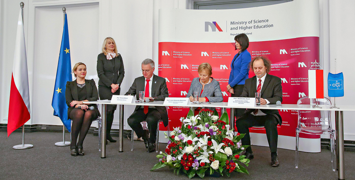 The ESO accession agreement with Poland was signed on 28 October 2014 in Warsaw, by Professor Lena Kolarska-Bobińska, the Polish Minister of Science and Higher Education and ESO's Director General Tim de Zeeuw, in the presence of other senior officials from Poland and ESO. Credit: ESO
