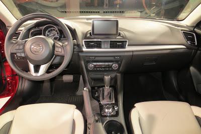 Noua Mazda3 la interior