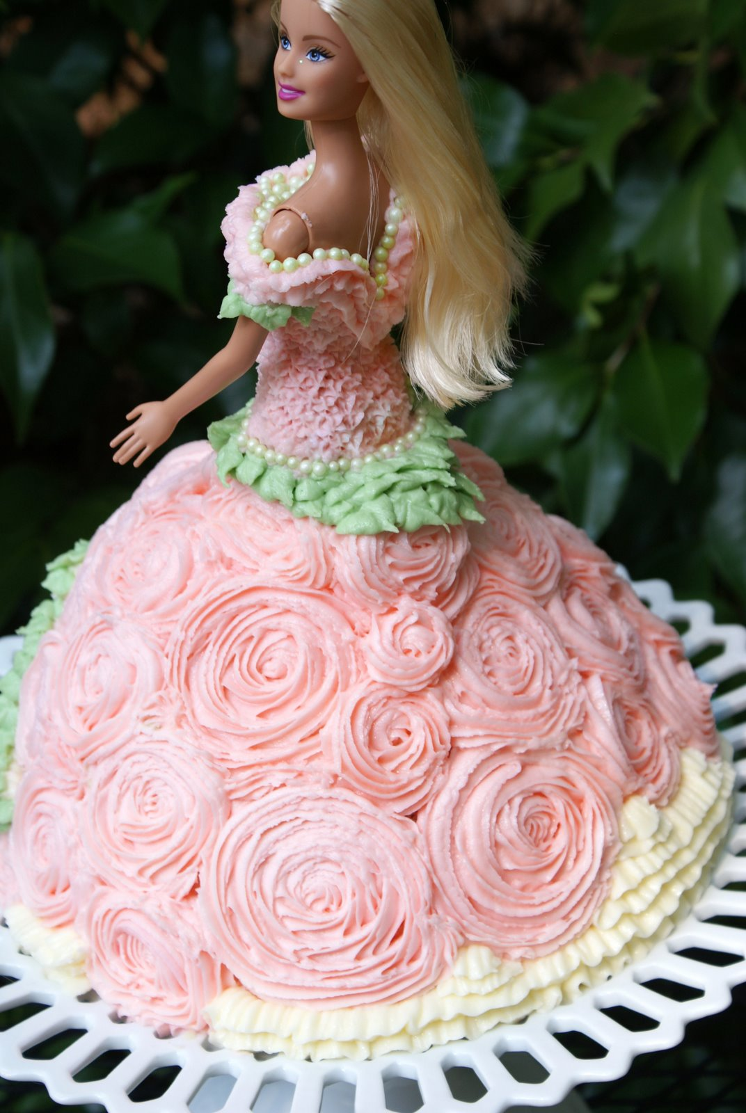 Images Of Barbie Birthday Cake : A Little Loveliness: Barbie Doll Cake