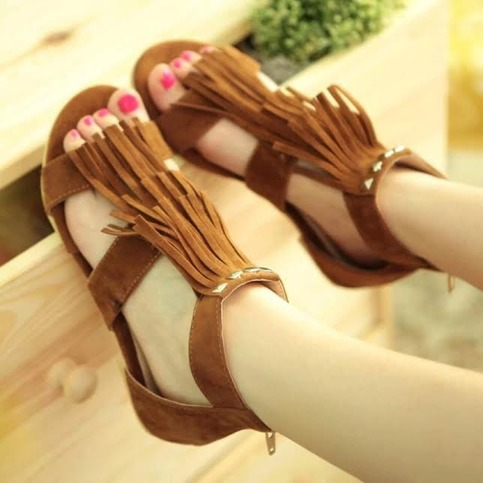 SUMMER FESTIVAL PRINCESS SANDALS IN BROWN
