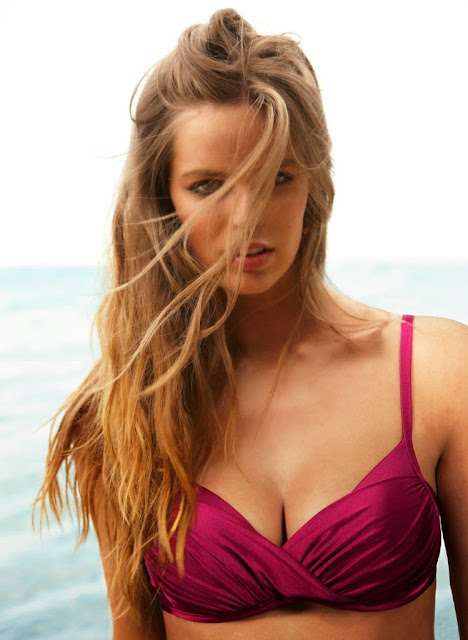 Robyn Lawley Hot sexy erotic Cleavages Boobs ass for Calzednoia Swimwear Pictureshoot