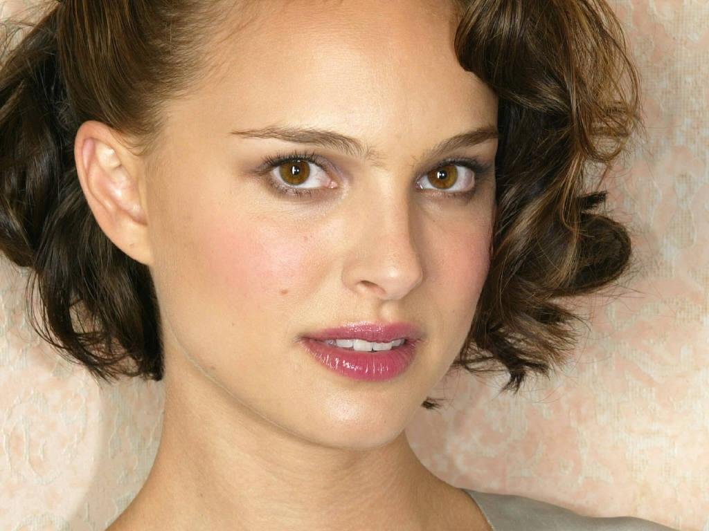 http://4.bp.blogspot.com/-JS_PzJ3gN8U/Tt02yy1XRVI/AAAAAAAAAlM/LJikxUlLx9g/s1600/Natalie-Portman-10.JPG