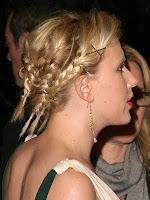 сплетена коса с малки плитки