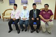 BERSAMA TOKOH PERUBATAN ISLAM LAIN DI SEMINAR PENGOBATAN ISLAM NUSANTARA