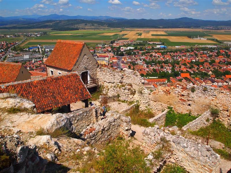 Vista de la ciudad de Rasnov desde la ciudadela