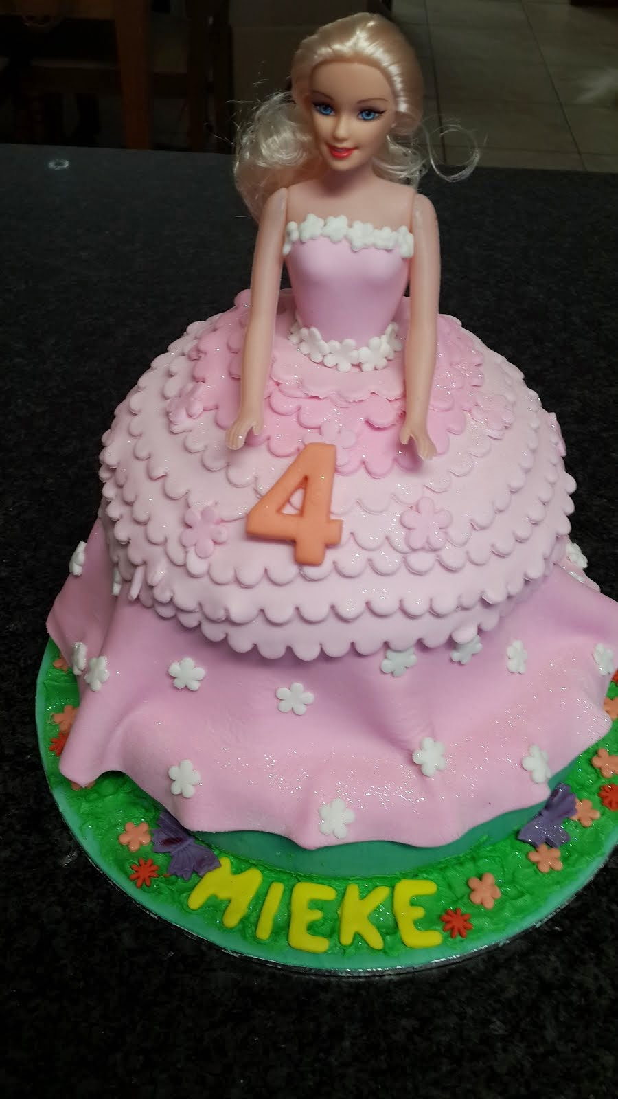 Barbie Cake for Mieke