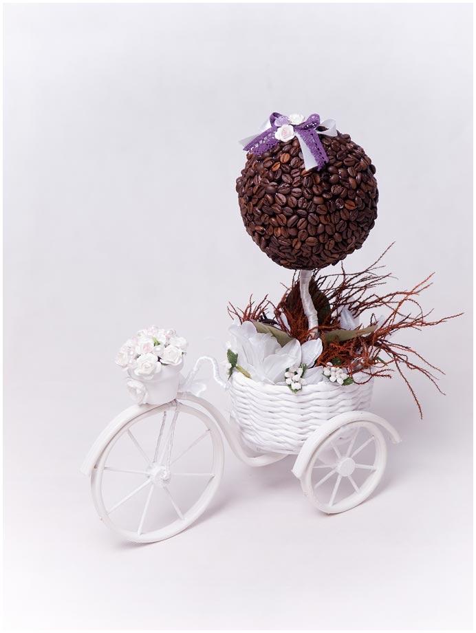 Велосипед. Кофейный топиарий в корзинке из газет. МК