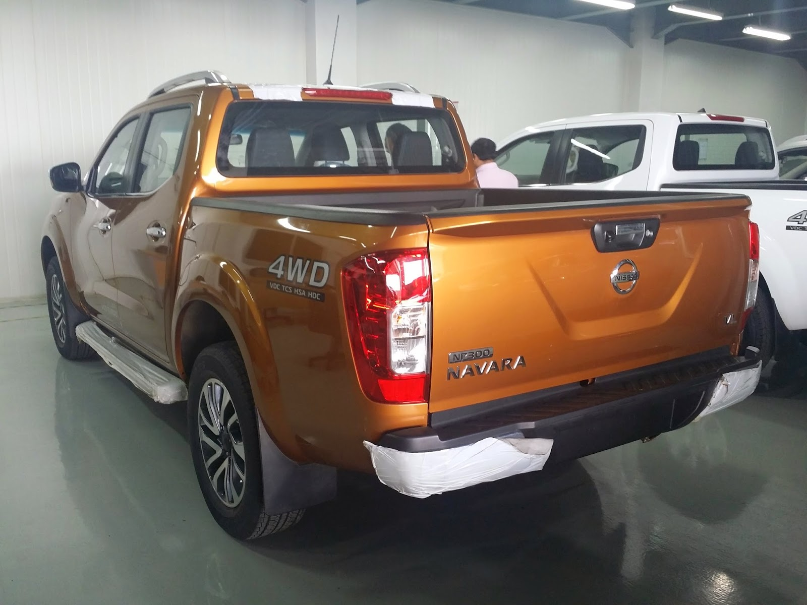ALL NEW NISSAN NP300 NAVARA VL WARNA ORANGE