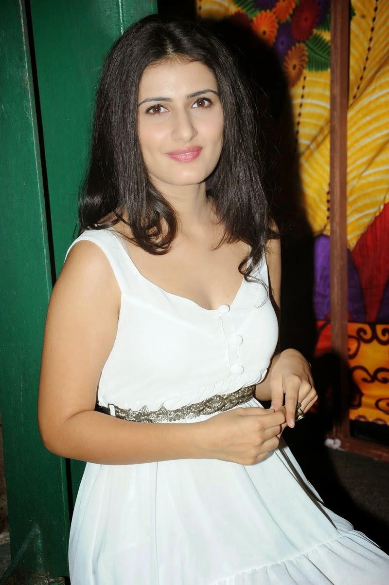 Sanam Shetty Latest Glam Pics