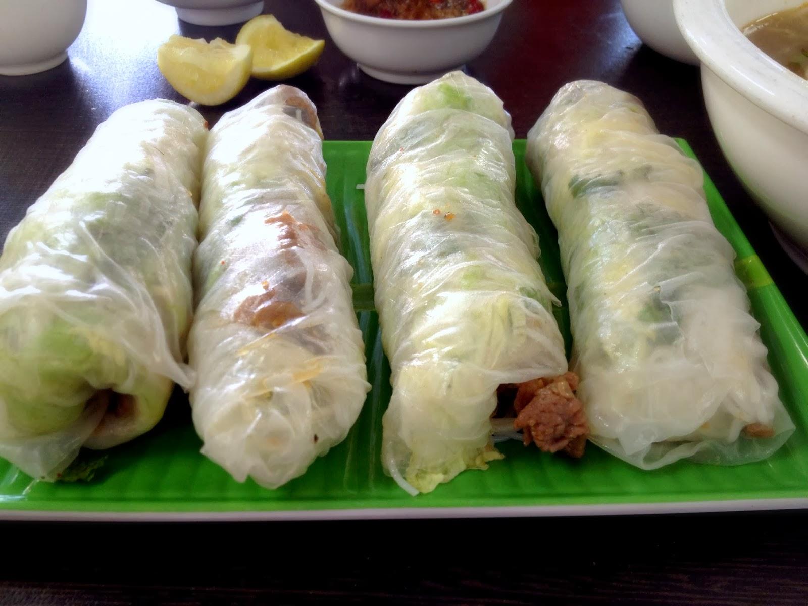 satay beef rice paper rolls