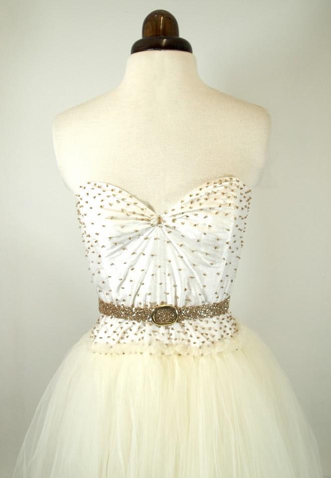ivory tulle wedding dress