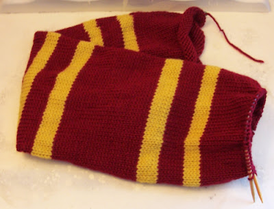 Knitting Pattern For Harry Potter Scarf Gryffindor : Rambling Ivy Caravan: Geek Knitting and Crochet