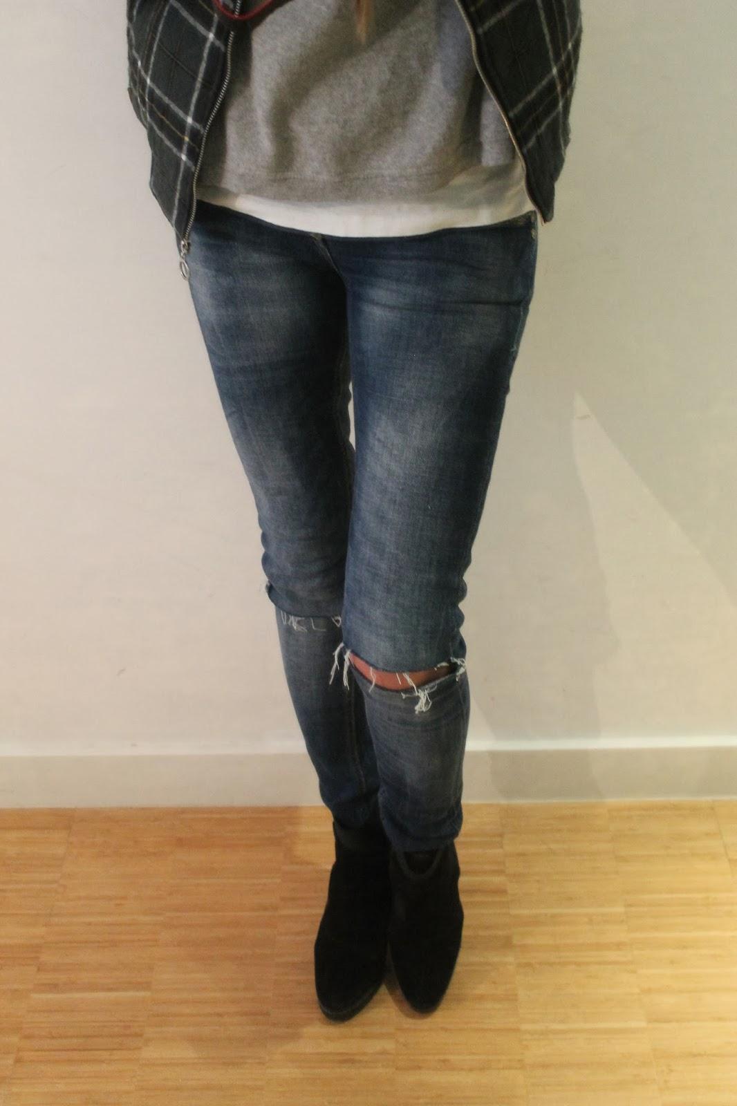Con cazadora tartan de PullandBear y jeans DIY, look, streetstyle, blog de moda, CarmenHummer