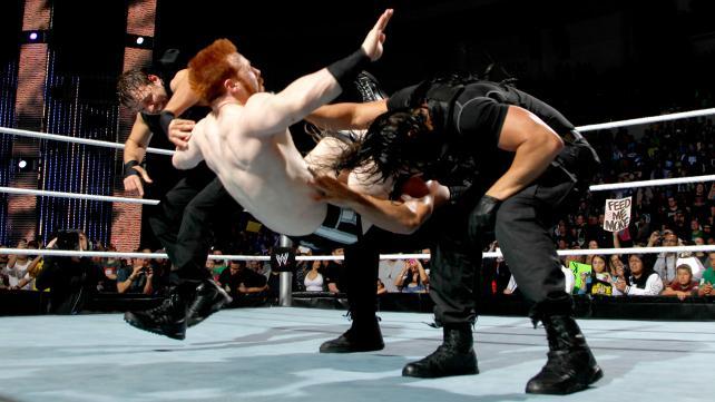 Resultados RAW Supershow #26 [Los Angeles, California] Triple+Powerbomb+to+Sheamus