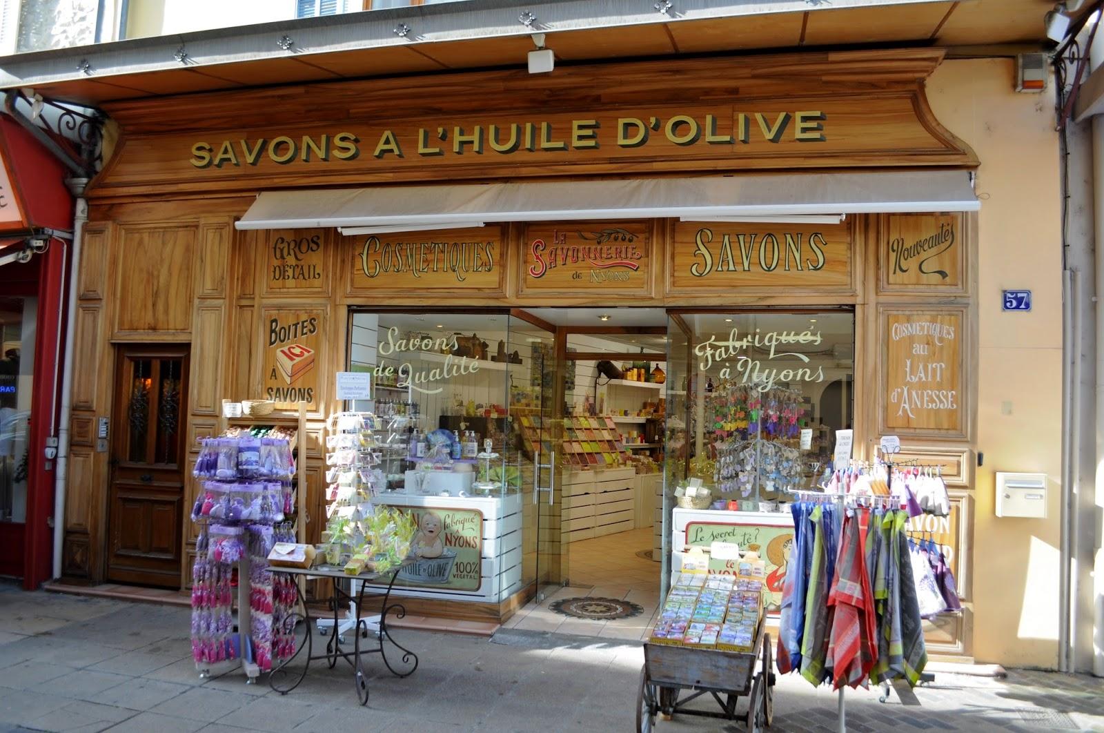 Our house in provence market day in vaison la romaine and - Office du tourisme de vaison la romaine ...