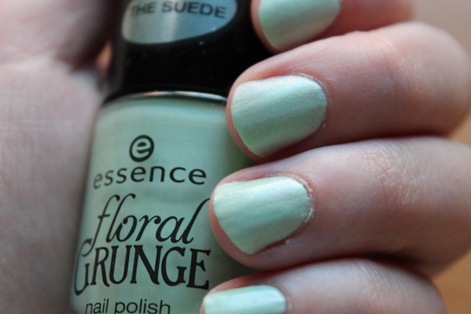 grunge-me-tender-essence-floral-grunge