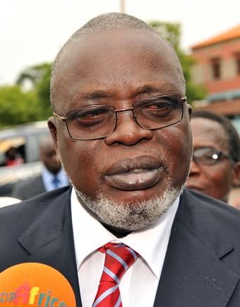 Guiné-Bissau: PRESIDENTE MALAM BACAI SANHÁ EMPOSSA NOVO GOVERNO