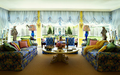 Vibrant Family Room Interior Design Idea , Home Interior Design Ideas , http://homeinteriordesignideas1.blogspot.com/