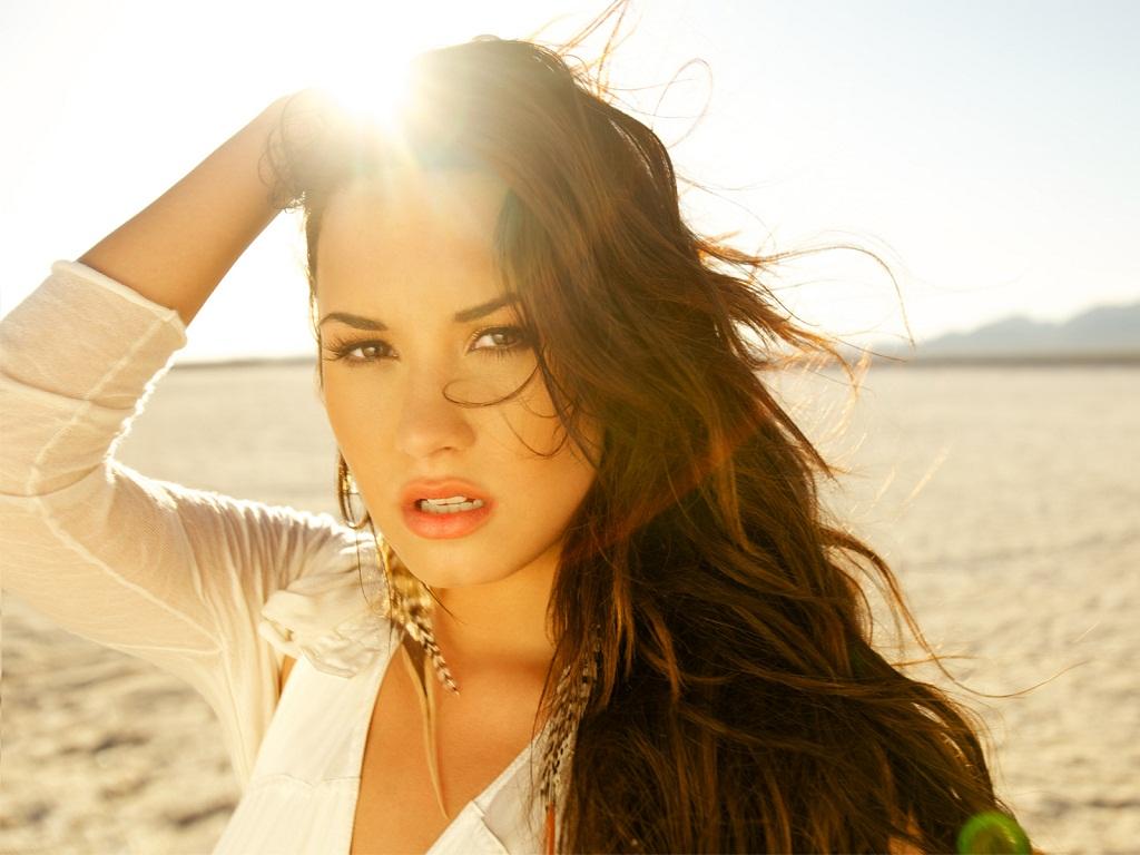 http://4.bp.blogspot.com/-JUPPUcDZnMM/TjDZn3WUU8I/AAAAAAAACz4/oS8IFJ0FntI/s1600/Demi_Lovato_Wallpapers_HD+%252814%2529.jpg
