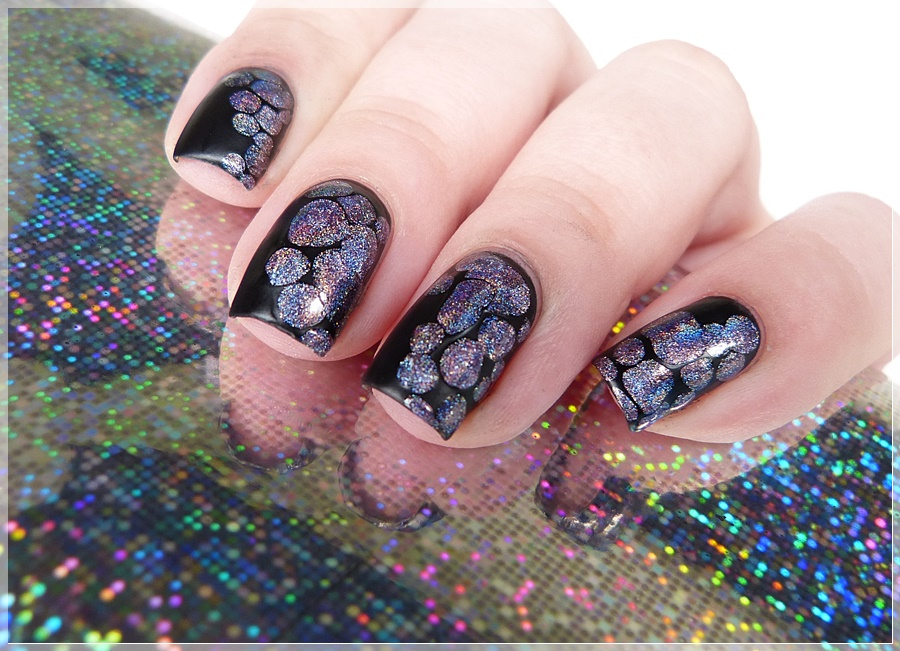 Holografisches Nageldesign