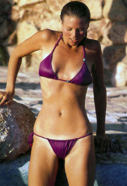 michelle hunziker hot ass in a bikini of the day retroskank nude
