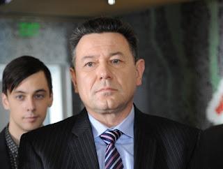 """Веселин Мезеклиев в ролята на кмета в """"Стъклен дом"""""""