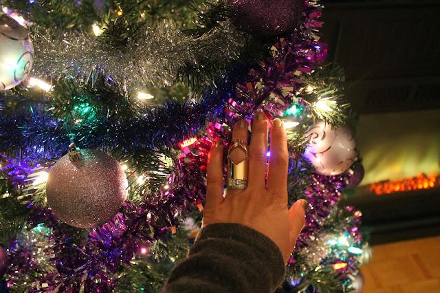 #aldo #aldoboots #aldoshoes #suedeboots #suede #leggings #jeggings #urbanplanet #holidays #christmas #forever21 #forever21ring #holidaydecoratins #christmastree #danier #danierleather #danierhandbag #daniersatchel #slouchysweater #greysweater #sweater #toronto #canada #torontostreetstyle #streetstyle #canadianstyle #canadianstreetstyle #trend #fashion #fashioblogger #serbianfashionblogger #canadianfashionblogger #srpskeblogerke #srpskablogerka #sweateroutfit #greybag #philiplimsatchel #beograd #srpskistil #srpskamoda #hrvatskamoda #hrvatskeblogerke #croatianbloggers