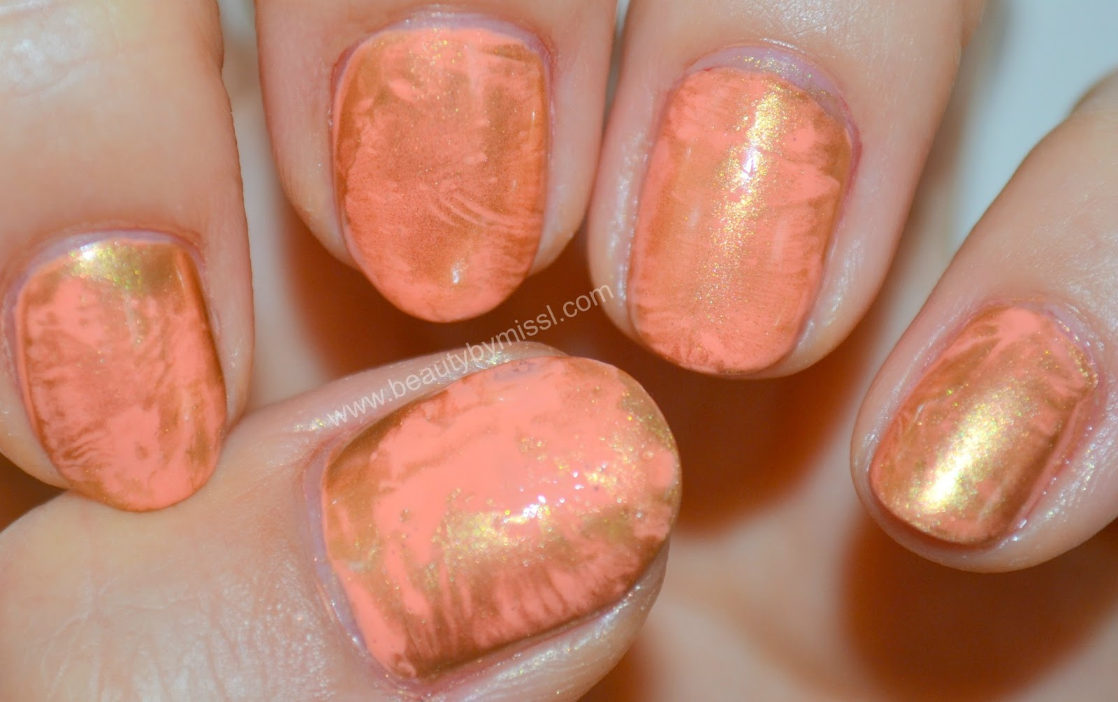 pink & golden manicure