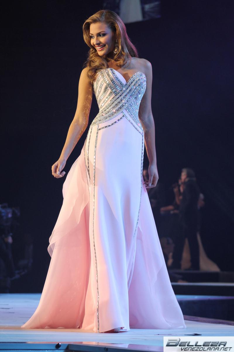 Miss Venezuela Migbelis Castellano.