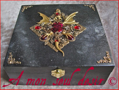 Coffret Boite à Bijoux Médiéval Dragon Daenerys Targaryen Haliotis Rouge Abalone Red Paua Shell Game of Thrones Smaug Medieval Fantasy Jewelry Box Fire and Blood