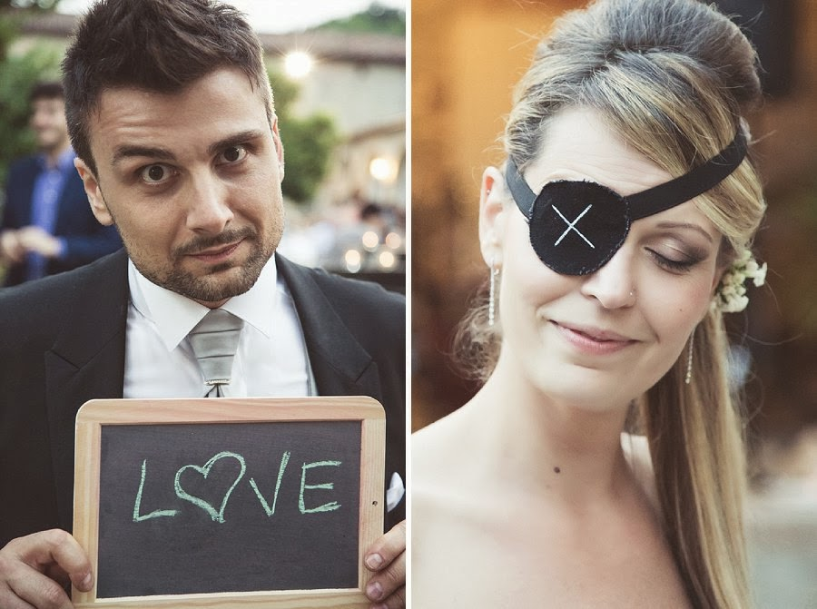 Divertente photo booth di matrimonio, lavagna e pirata