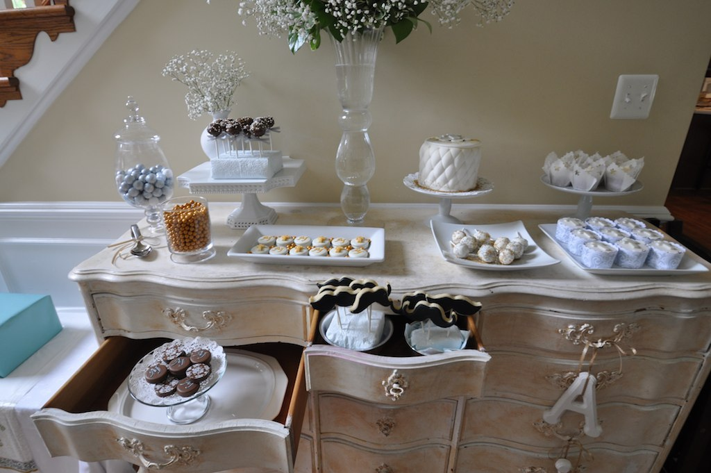 Madly stylish events first communion dessert table - Decoration table communion fille ...