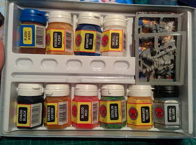 Citadel Colour Paint Set 1994 - Inside the box! All the paints in their glory
