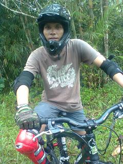 Sepeda di Gunung Merapi