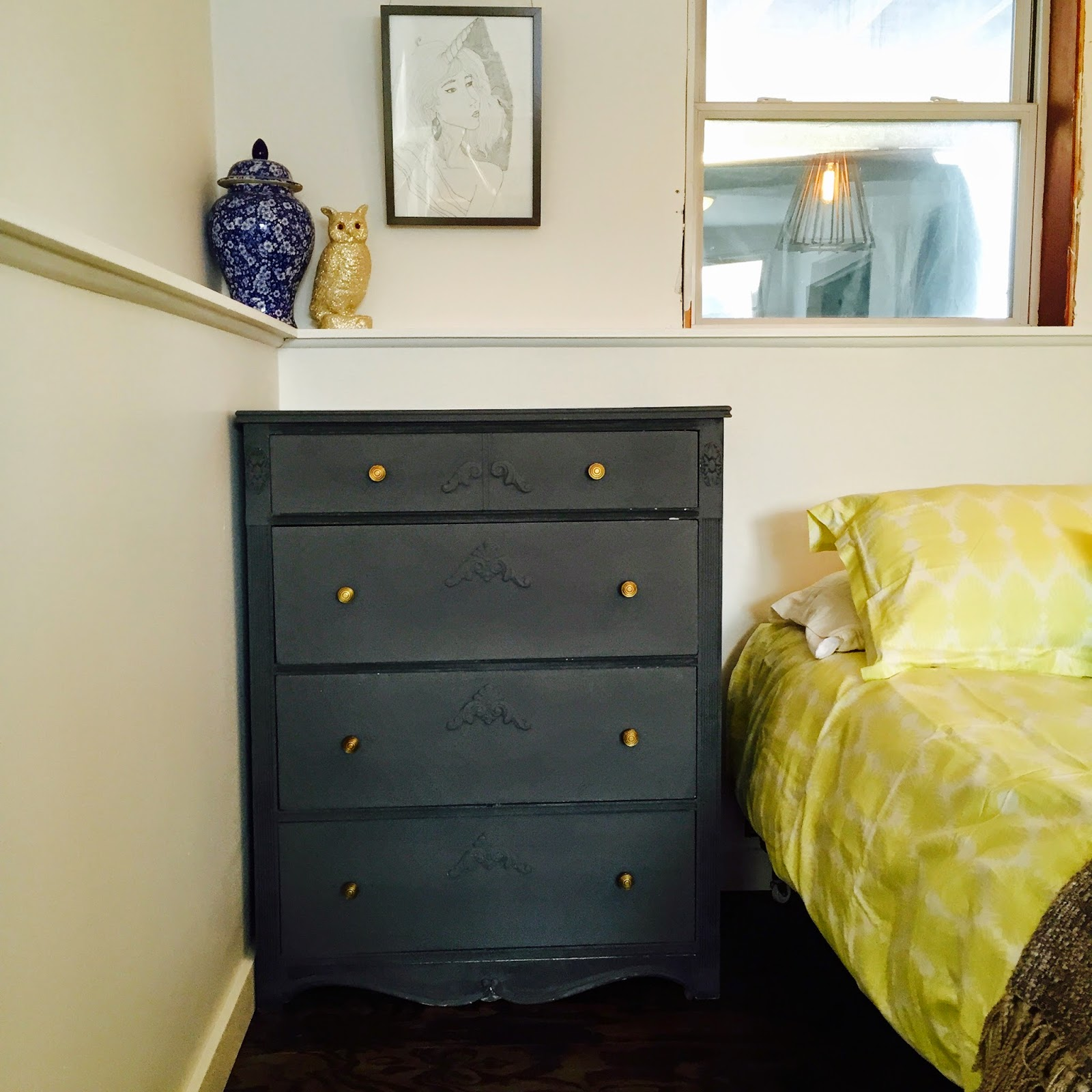 Our piece of split house chalk paint review annie sloan for Chalk paint comparable to annie sloan