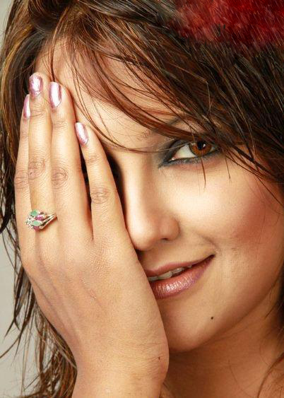 Model Actress Nowshin68129664_619234_2063255046_n