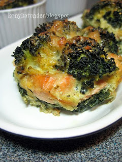layered-spinach-salmon-broccoli