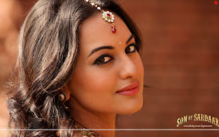 Hot  Sonakshi Sinha Close up HD Wallpaper