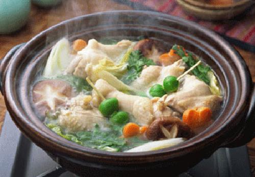 quán Lẩu gà đắt khách tại Hà Nội :
