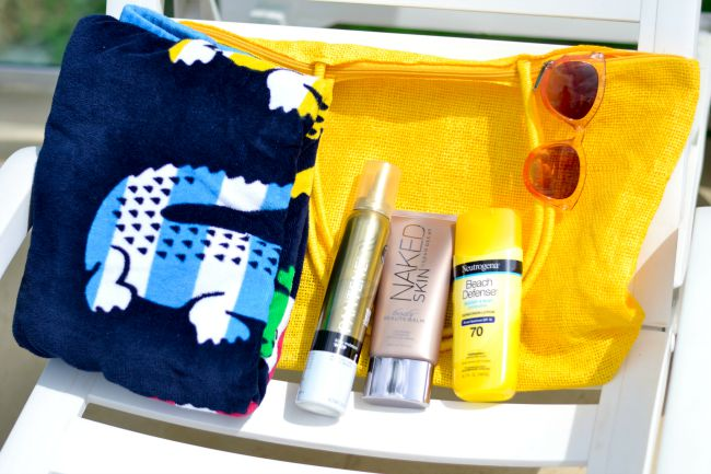 Boohoo Beach Bag Must Haves