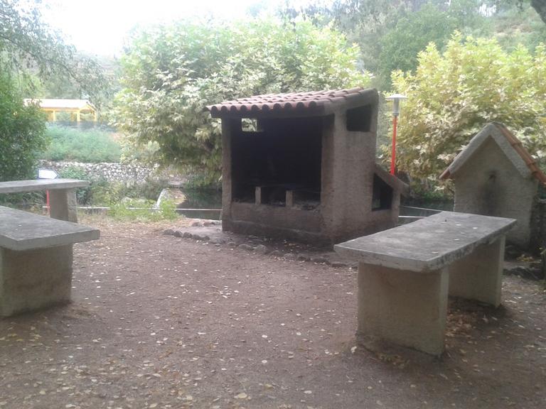 Mesas parque de merendas com churrasqueira