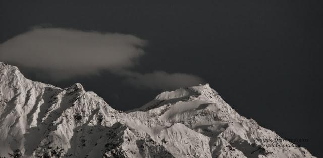 le Mont-Tondu, à l'extrémité du massif du Mont-Blanc, recouvert de neige fraîche.