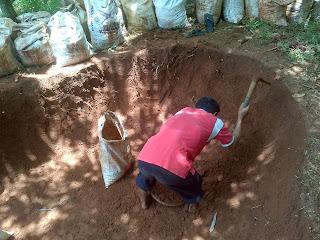 Jual tanah murni untuk taman | tanah merah / karung 25.kg untuk tanaman dan rumput