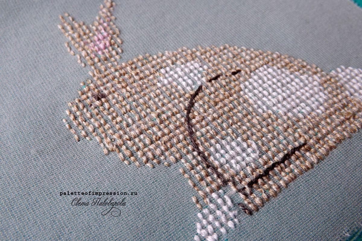 Дизайн Heart in hand. Вышивка крестом на трикотаже. Вышивка крестом на футболке. Кролик. Блог Вся палитра впечатлений. Palette of impression blog Идеальна изнанка