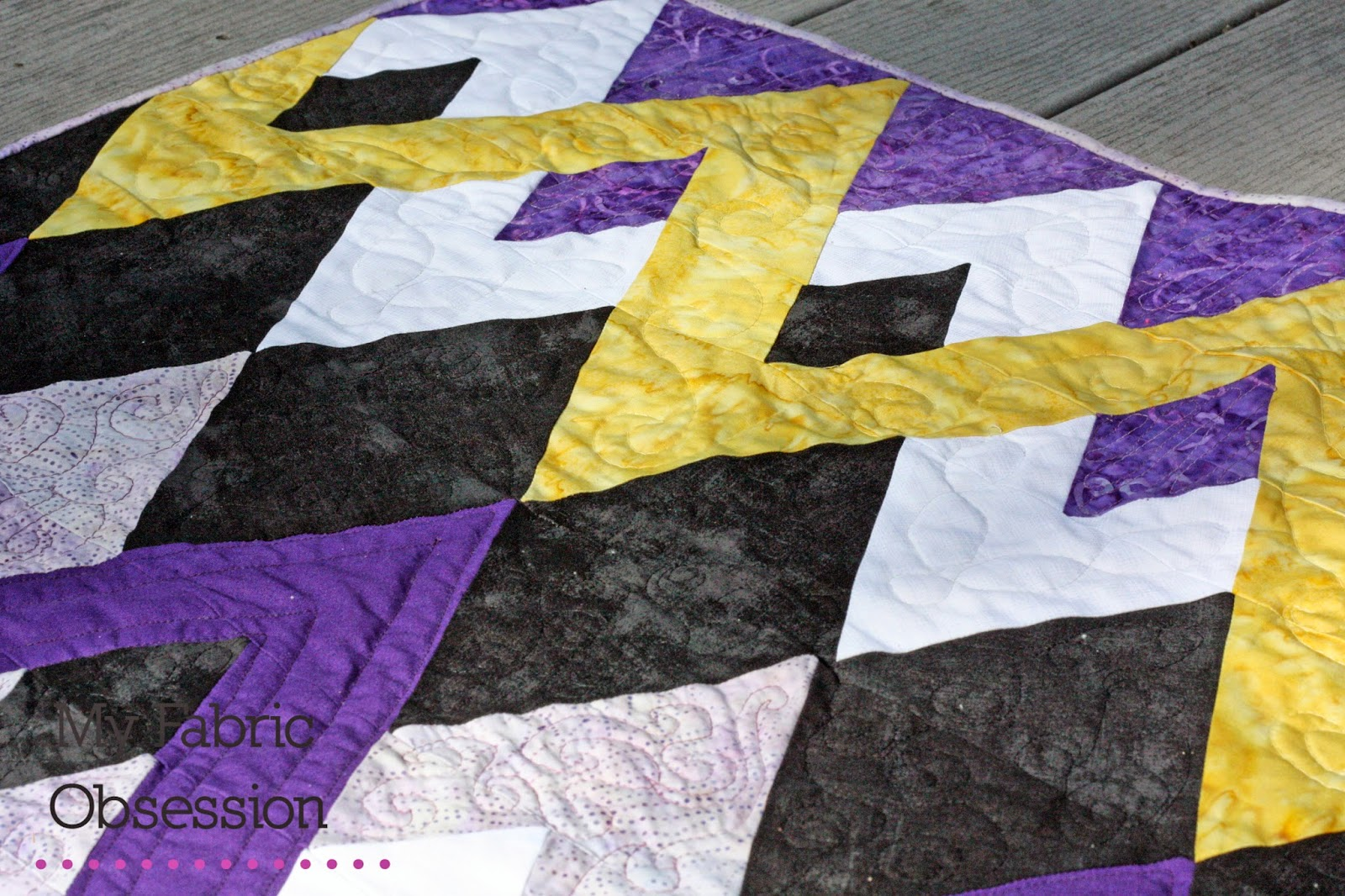 My Fabric Obsession: The Zig Zag Quilt